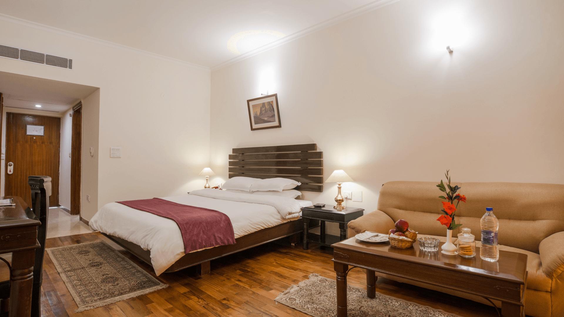 Room 11 (1)