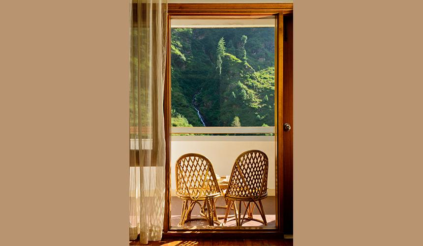 Room-4-1-4-860×500