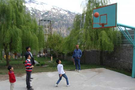 skating_rink-and_basket_ball_court