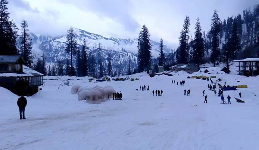 How to Book Best Ski Resort in Manali for Family Vacation!