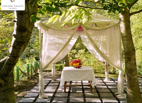Stay in Corona Safe Resorts in Solang Valley for Honeymoon Couple