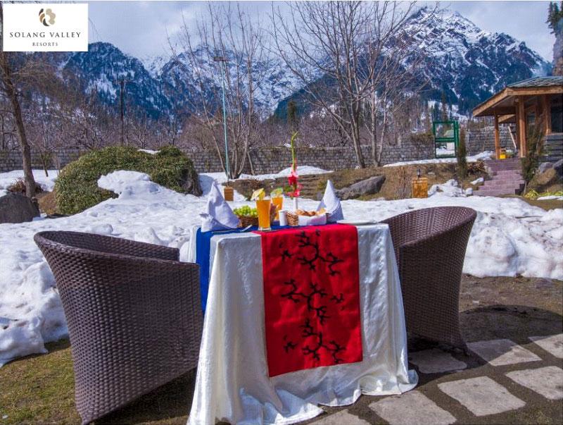 Romantic-Season-at-the-Breath-Taking-Honeymoon-Resorts-in-Manali
